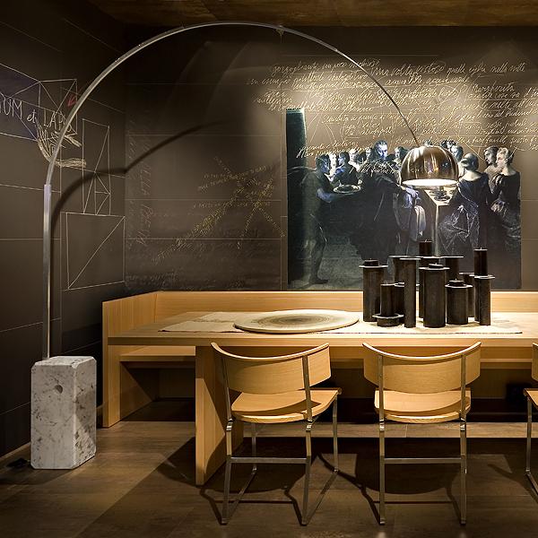 arco design bogenlampe von flos led edelstahl aluminium carrara marmor. Black Bedroom Furniture Sets. Home Design Ideas