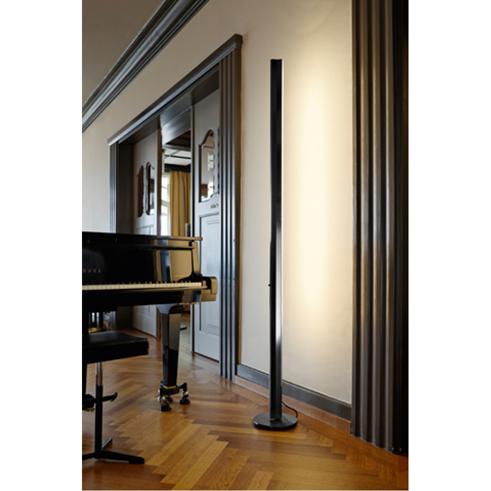 stehlampe ypsilon led dimmbar in schwarz. Black Bedroom Furniture Sets. Home Design Ideas